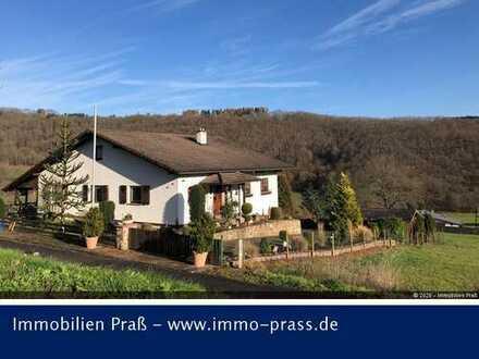 Top-Gelegenheit! Schönes Einfamilienhaus auf traumhaften Grundstück in Königsau zu verkaufen!