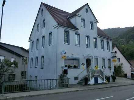 Lukratives Speiserestaurant mit Wohnung im Zentrum von Lichtenstein-Unterhausen
