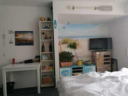 1-Zimmer-Appartement mit Sonnenterrasse, Blick ins Grüne und EBK in Düsseldorf Kaiserswerth
