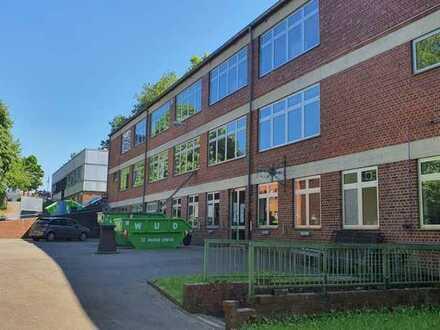 Rd. 9.000 m² Innenstadt-Gelände mit 3 Gebäudeeinheiten