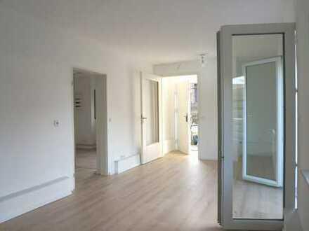 Hübsche Single-Wohnung * 2-Zimmer Küche Bad * Terrasse * frisch renovierter separater Anbau