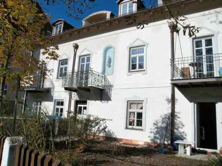 Denkmalgeschütztes Haus: sonnige 3-Zimmer-Wohnung mit 2 Balkonen in Pasing