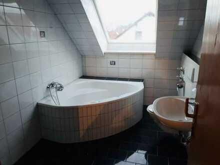 1.090 €, 120 m², 5 Zimmer