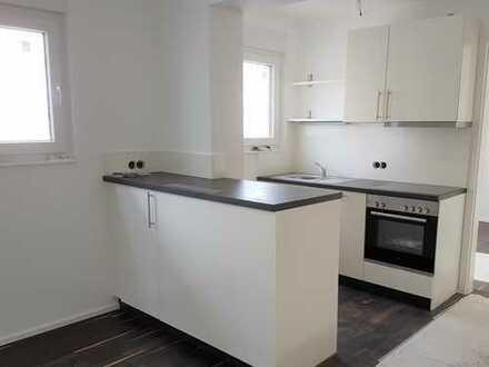 Moderne 3-Zimmer-Wohnung mit großem Hobbyraum im Dachgeschoss!