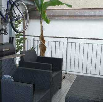 Exklusive, neuwertige 4,5-Zimmer-Wohnung mit Balkon und Einbauküche , zentraler geht es nicht!!
