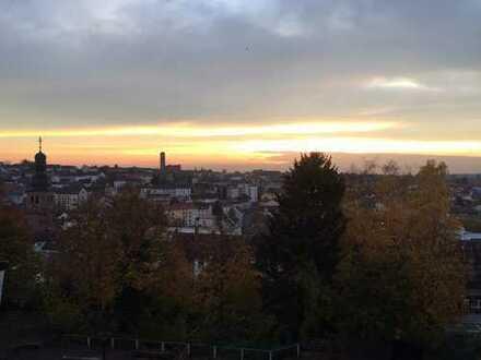 Ihr neuer Feierabendausblick? 82 qm Stadtwohnung mit Balkon