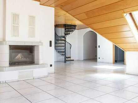 *!!Besondere Dachgeschoss-Maisonette-Wohnung in Worfelden: mit Kamin, Loggia, Wendeltreppe!!*