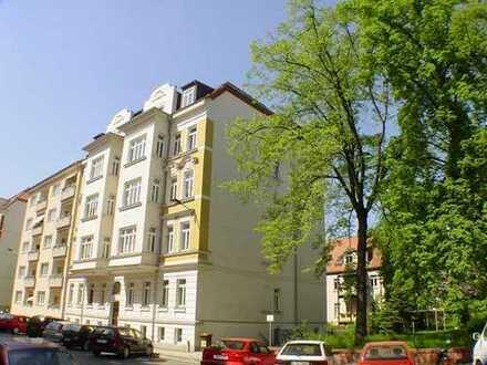 Südvorstadt...Sonnige 4-Raum-Wohnung mit Balkon in Belle Etage!