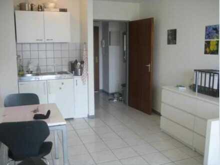Ab sofort: Helles Single-Apartement in Uni-Nähe