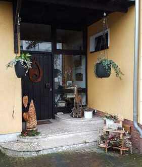 Vollständig renovierte 1-Zimmer-Wohnung mit EBK in Frankfurt am Main