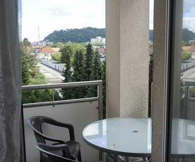 Erschwingliche und gepflegte 1-Zimmer-Wohnung mit Garage und Balkon in Homburg