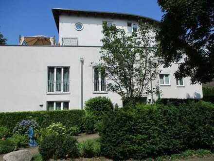 Attraktive 2-Zi.-Wohnung mit tollem Ausblick und Balkon - Schwellenloser Zugang - HH-Sasel