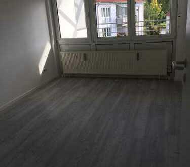 Bild_Ruhige sehr Helle 3 Zimmer mit Balkon