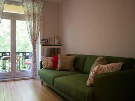 Hochwertige Altbauwohnung mit Balkon und Loggia