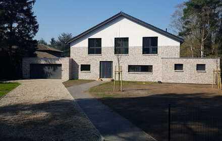Idyllisch gelegene, moderne Villa mit 5 Zimmern + 3 Bädern in Hannover (Kreis), Wedemark