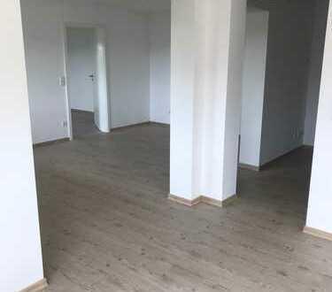 Vollständig renovierte 3,5-Zimmer-EG-Wohnung mit Terasse in Auenwald