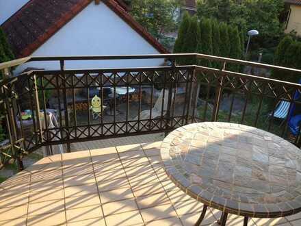 Gepflegte 2-Zimmer-DG-Wohnung mit Balkon und EBK in Ingelfingen-Criesbach