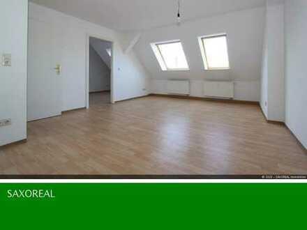 Renovierte 2 Raum Dachgeschosswohnung mit Einbauküche + Aufzug in der Görlitzer Südstadt!