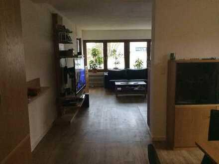 Großzügige 4-Zimmer-Wohnung + Küche & Bad mit überdachtem Balkon in Morbach