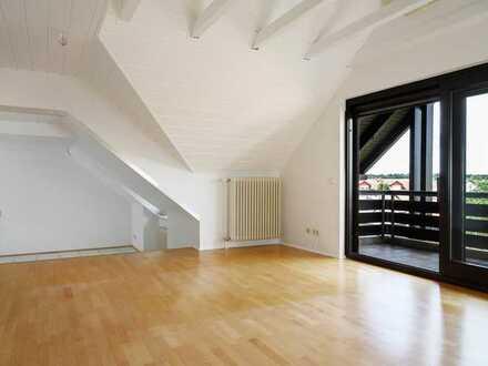 Großzügige Dachgeschosswohnung für Paar oder kleine Familie