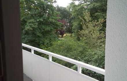 Stilvolle 3-Zimmer-Wohnung mit Balkon und EBK in Frankfurt am Main