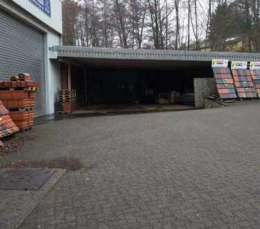 Großzügige Kaltlagerhalle/Werkstatt zu vermieten