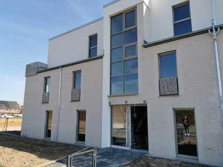Erstbezug mit Einbauküche und Balkon: exklusive 3-Zimmer-Wohnung in Pulheim