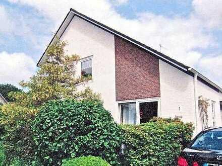 Großzügige 4-Zimmer-Erdgeschosswohnung mit Innen- & Außen-Kamin, Terrasse, Garage und Garten in Leer