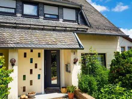 Schönes Haus mit acht Zimmern in Bernkastel-Wittlich (Kreis), Morbach. Im Grünen und ruhig gelegen.