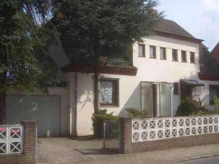 Schönes Haus mit fünf Zimmern in Hamburg-Großflottbek