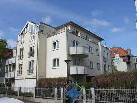 * helle 2-Zimmer-Wohnung mit Balkon in beliebter Lage *
