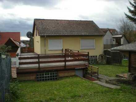 Wohnhaus mit 2xEinbaukü., 6 Zi., 2 Bäder, G.-WC, Terr.-/Balkon-/Garten, Doppelgarage + Hofraum !