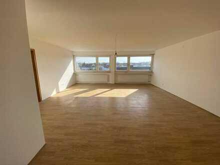 Frisch renovierte 3 ZKB mit großer Dachterrasse und Garage direkt am Goethepark