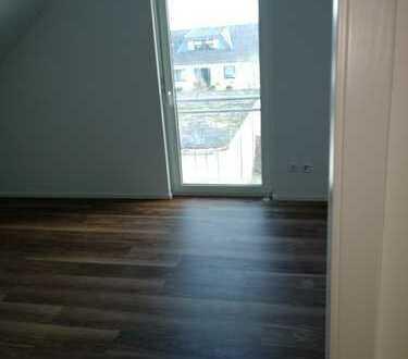 Schöne Doppelhaushälfte mit vier Zimmern in Darmstadt-Dieburg (Kreis), Groß-Zimmern