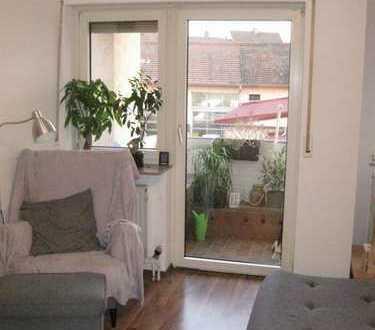 Single Wohnung 2 ZKB mit eingebauter Küchenzeile