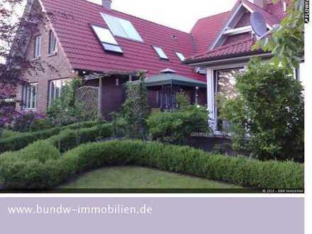 Hochwertiges Einfamilienhaus mit Einliegerwohnung in Bockhorn zu verkaufen