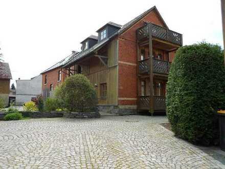 ++ 3-Zimmer-Wohnung mit Balkon und Außenstellplatz in Theuma ++