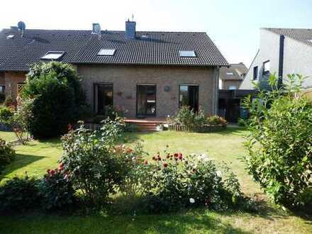 Großzügiges geräumiges Einfamilienhaus in Eschweiler Süd, ruhige Lage