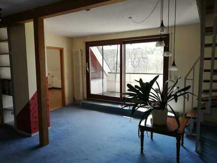 Ansprechende 5-Zimmer-DG-Wohnung mit Balkon und EBK in Lenningen