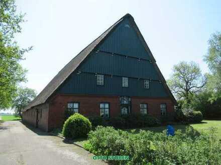 Historisches Reetdachhaus mit Stallungen und Scheune - Otto Stöben GmbH