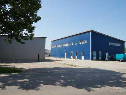 Gewerbehalle mit Büro und Sozialräume zu vermieten.