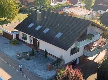 Großes attraktives Anwesen mit Panoramablick auf Schwarzwald, Kaiserstuhl und die Burg Landeck