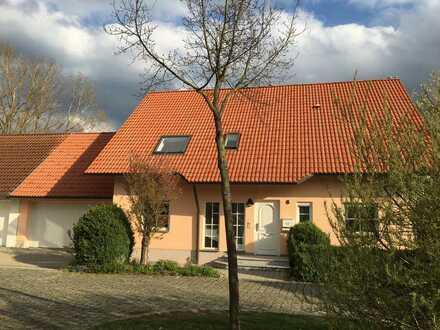Freistehendes Einfamilienhaus in bevorzugter Wohngegend in Burlafingen!