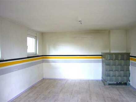 Sonnige Etagenwohnung (OG) mit Balkon im Zweifamilienhaus, sowie Einzelgarage u. Kelleranteil