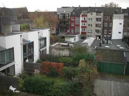 2 Zimmer DG Wohnung für Studenten bzw. studentisches Paar
