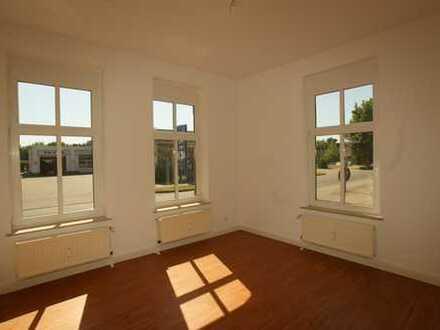 2-Zimmer-Wohnung in wunderschönem Altbau