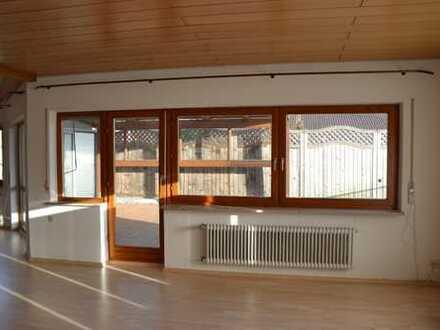 Repräsentative, lichtdurchflutete, 160 qm- Wohnung mit Südbalkon