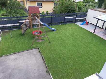 Stilvolle, modernisierte 6-Zimmer-Wohnung mit Garten und EBK in Augsburg