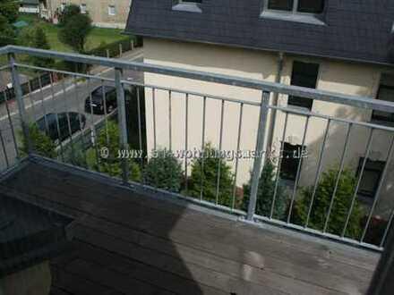 *** LEBEN UNTERM DACH! Wunderschöne Wohnung MIT Stellplatz UND Balkon zu vermieten! ***