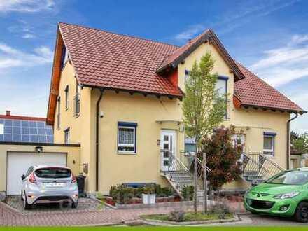 ac | Moderne Doppelhaushälfte mit vielen Extras in Römerberg – Heiligenstein